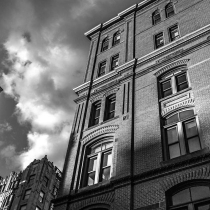 black-and-white-city-house-378-1060